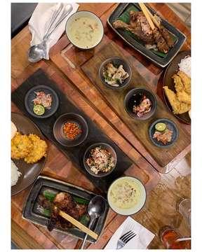 Ala ala bali #EEEEEATS #devourpower #feedfeed #sarapan #makanenak #makansiang #cheatmeal #kulinerjakarta #jajanan #eater #foodbeast #masakanindonesia #foodiegram #foodography #jktfoodies #kulinerjakartaselatan #masakanrumahan #beautifulcuisines #cafejakartaselatan #jktfoodbang #foodoftheday #infatuation #huffposttaste #panglimapolim #jktgo #kuliner
