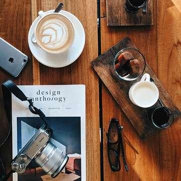 All the lovers ☕ . . . . . . . . . . . #coffeegram #coffee #anakkopi #hobikopi #masfotokopi #kopi #jktfoodbang #jktfoodies #vscoindonesia #vscocam #instapic #mbakfotokopi #flatlay #aesthetic #coffee #coffeegram