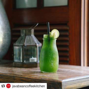#Repost @javabeancoffeekitchen (@get_repost) ・・・ Spend some time cooling down today with the help of our Minty Mojito drink! Post it on social media to get your friends green with envy #javabeancoffeekitchen . . . . . #mintymojito #mojito #refreshing #drinks #fresh #thursdayvibes #thursdaymotivation #zomato #zomatoid #qraved #qravedid #jktfoodies #bandungfoodies #foodgasm #kuliner #kulinerjakarta #kulinerbandung #like4like #follow4follow #plazasemanggi #rumahmode #pejatenvillage #instafood #instafoodie