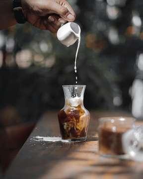 Nama : Satu Satu Coffee Company Alamat : Jl. Pantai Berawa no. 36 Tibubeneng, Kuta Utata, Badung. Jam Buka : 08.00-16.30 IG : @satusatucoffeecompany Foto : @chielouge . . . . . . . . . . . #coffeelover #coffeetime #coffeeshots #coffeeprops #coffeegram #coffeeaddict #manmakecoffee #anakkopi #hobikopi #masfotokopi #mbafotokopi  #fov_coffee #cupsinframe #ehayokngopi #indocoffeegram #happyboringlife #tinxpiration #coffeejpg #onmytable #onthetable #eatnkoffee #sahabatpiknik