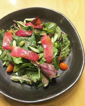 I can't live without veggie🥗 . . In frame: Beet Salmon Gravlax Salad (74k). . . #sallwongfood #wowkuliner #wowkulinerjakarta #laperbaper #jakartafoodies #foodporn #foodie #foodphotography #jakartakuliner #indonesianfood #dietmulaibesok #pitayabowl #pitaya #mapleandoakjkt #salmonsalad #salad #vegetarian #f4f #l4l #food #exploreindonesia #explorejakarta #menteng