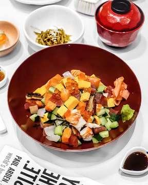"- It's just another beautiful day with another great dish ""Chirashi( sashimi dice rice bowl) @ootoya_id  #songofmarch #chirashi #ootoyaindonesia #food #foodstagram #foodie #kulinerjakarta #foodporn #vsco"