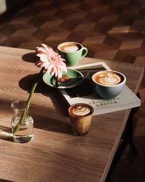 Be mindful even if your mind is full! . . . ________________________________________ #specialtycoffee #anakkopi #indocoffeegram #coffeeporn #manmakecoffee #masfotokopi #mbakfotokopi #happyboringlife #baristadaily #cafehoping #coffeelover #cafeteller #coffeetime #coffeefeature #hobikopi #kopi #coffeeprops #allthingscoffee #coffeeinblack #coffeeoclock #ottencoffee #tinxpiration #peoplebrewcoffee #manmakecoffeemap #papamamabakeryandcoffee #stanleyadrianphotography