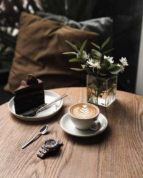 Coffee always sounds better on Saturday. Am I right? . . . ________________________________________ #specialtycoffee #anakkopi #indocoffeegram #coffeeporn #manmakecoffee #masfotokopi #mbakfotokopi #happyboringlife #baristadaily #cafehoping #coffeelover #cafeteller #coffeetime #hobikopi #coffeeprops #allthingscoffee #coffeeinblack #coffeeoclock #ottencoffee #tinxpiration #peoplebrewcoffee #beaubytalitasetyadi #stanleyadrianphotography
