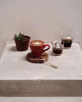 Believe you can and you're halfway there. . . . ________________________________________ #elmakkocoffee #sonya6000 #35mm #lightroompresets #anakkopi #indocoffeegram #coffeeporn #manmakecoffee #masfotokopi #mbakfotokopi #happyboringlife #coffeeshopcorners #coffeeshopvibes #baristadaily #cafehoping #coffeestagram #cafeteller #coffeetime #coffeefeature #hobikopi #coffeeprops #allthingscoffee #coffeeexample #coffeeinblack #coffeeoclock #ottencoffee #tinxpiration #caffeineagent #peoplebrewcoffee #stanleyadrianphotography