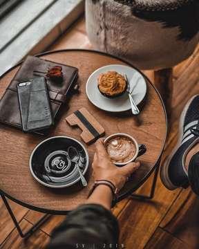 A grateful heart and a cup of coffee. ☕️ . . . . . #courseandfine #coffeeshopcorners #cafeteller #indocoffeegram #coffeeshopvibes #mbakfotokopi #liveoutloud #cafehopper #coffeedaily #cafehopping #coffeeshop #coffeelover #essentials #manmakecoffee #kanekin #instadaily #instagood #jktsociety #jakarta #happyboringlife