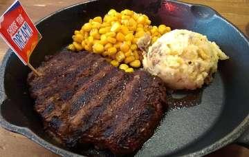 Enjoying delicious 250gr Australian Tenderloin Steak from @holycow_radal #TKPBSD #holycow_radal #holycow #steak #beef #beefsteak #lunch #grill #yummy #delicious #carnivore #australianbeef #tenderloin #meat #bbq #barberque