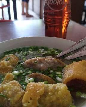 Lunch @baksogondholmalang  #lunch #baksogondhol #malang #recomanded #jawatimur #indonesia #kulinermalang #explorekulinermalang