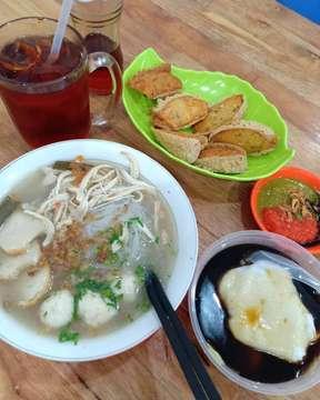 My Favourite😘#eatandtreats#kulineraddict#hidupuntukmakan#makanmana#kuliner#kulinerindonesia#nomnommedan#medanfoodblog#kulinermedan#wowkuliner#tukangmakan#medanfood#anakjajan#seleramakan#makananmedan#makananenak#makanenak#thehungryeyes#medanfoodlover#jktfooddestination#jktfoodbang#foodie#foodstagram#instafood#