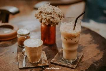Sama sama penikmat kopi, saya panas & mas garwo adem. #adempanas #karakterkopi #swastikasari #anakkopi