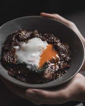 KALBI DON [grilled short ribs, sweet soy marinade, onsen egg] @birdmanjkt. #birdmanjkt #kalbidon #foodporn #eggporn