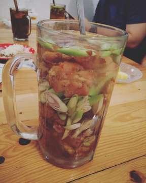 Wedangan Herbal Jahe Jeruk Kencur Serai . . #wedanganmantap #jahe #jeruk #beraskencur #serai #herbal #wedangan #drink #hotdrink #indonesia #indonesiadrinks #instadrinks #instapict