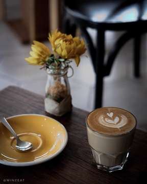 Haii Kamohh 😆 . . . BAGIKU, KAMU DAN KOPIKU ITU SAMA SAJA, ADIKTIF! . . . @hebrewscoffeepik  Ruko The Plaza No. 9AA Jl. Pantai Indah Utara 2 Pantai Indah Kapuk Jakarta Utara . . . . . #winzeat #coffeeshop #coffeehouse #coffeestagram #instacoffee #coffeeholic #coffeeaddict #instalike #instagood #barista #baristadaily #manmakecoffee #tanpacermin #terfujilah #fujifilm #coffeeblogger #anakkopi #coffeeshopvibes #coffeelover #coffeehouse #coffeeart #coffeetime #coffeetable #coffeebar #latteart #latte #doubletap #ngobar #ngopibareng #hebrewscoffeepik