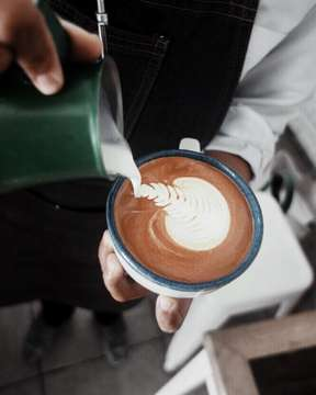When the barista makes good #latteart you just have to capture the moment . . . . #coffeephotography #balicoffee #indonesiancoffee #mbakfotokopi #igcoffee #instacoffee #coffee #coffeetime #coffeeholic #coffeelover #coffeeaddict #masfotokopi #anakkopi #cappuccino